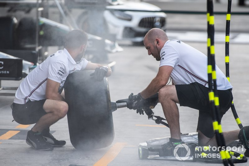 AMG Mercedes mechanics at work