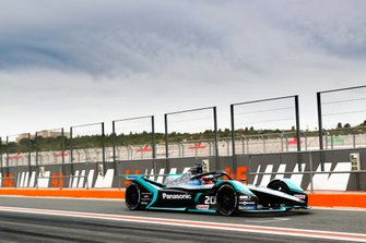 Mitch Evans, Panasonic Jaguar Racing, Jaguar I-Type 4, leaves the pit lane