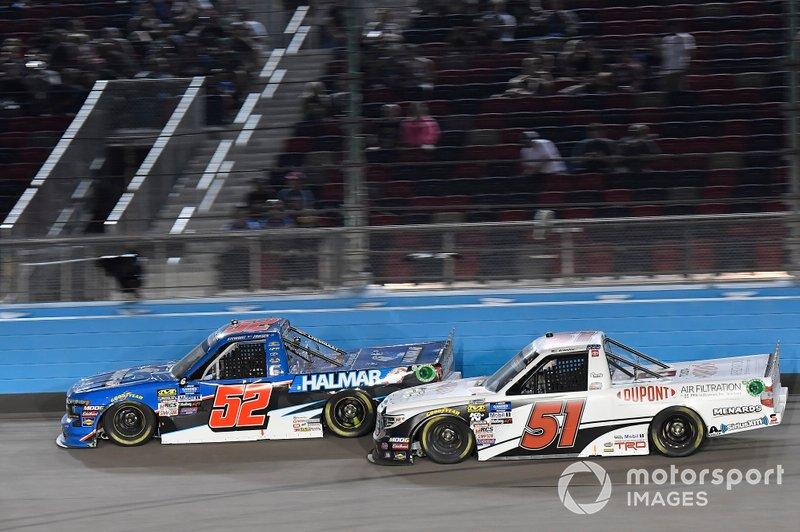 Stewart Friesen, Halmar Friesen Racing, Chevrolet Silverado Halmar International, Brandon Jones, Kyle Busch Motorsports, Toyota Tundra DuPont Air Filtration