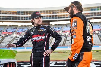 Ryan Blaney, Team Penske, Ford Mustang Wabash National, Martin Truex Jr., Joe Gibbs Racing, Toyota Camry Bass Pro Shops