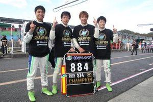 石川京侍、HIRO HAYASHI、平中克幸、国本雄資(#884 林テレンプ SHADE RACING 86)