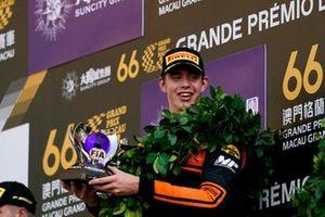 Podium: Race winner Richard Verschoor, MP Motorsport