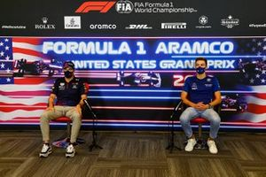 Sergio Perez, Red Bull Racing and George Russell, Williams in the drivers press conference