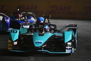 Sam Bird, Panasonic Jaguar Racing, Jaguar I-Type 5, Maximilian Gunther, BMW I Andretti Motorsports, BMW iFE.21
