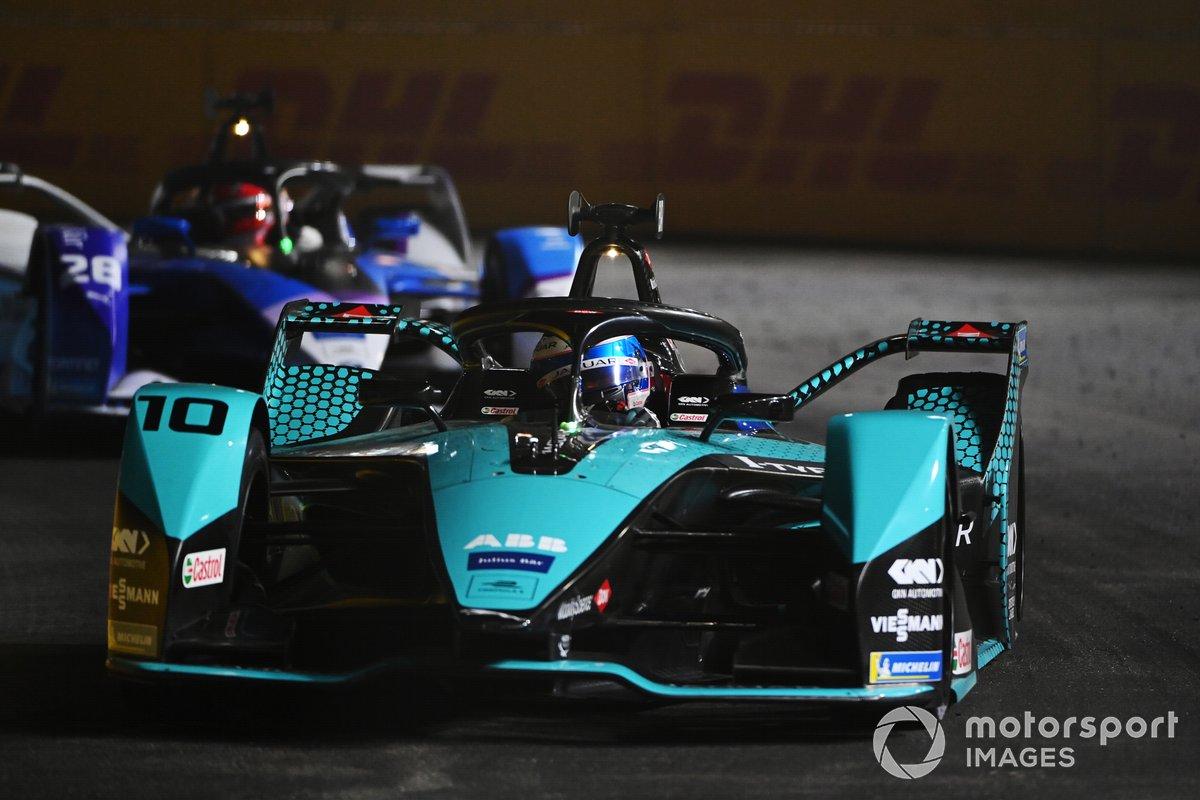 Sam Bird, Panasonic Jaguar Racing, Jaguar I-Type 5, Maximilian Guenther, BMW I Andretti Motorsports, BMW iFE.21