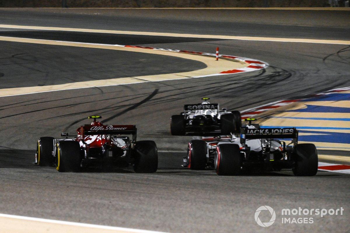 Nicholas Latifi, Williams FW43, Antonio Giovinazzi, Alfa Romeo Racing C39, e Kevin Magnussen, Haas VF-20