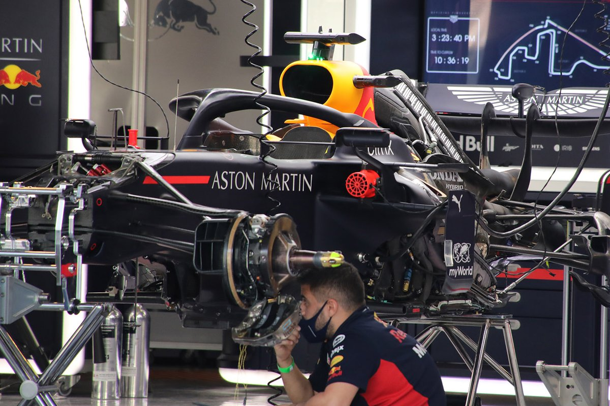 Red Bull RB16: Motorinstallation