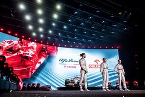 Antonio Giovinazzi, Kimi Raikkonen, Robert Kubica, Alfa Romeo Racing