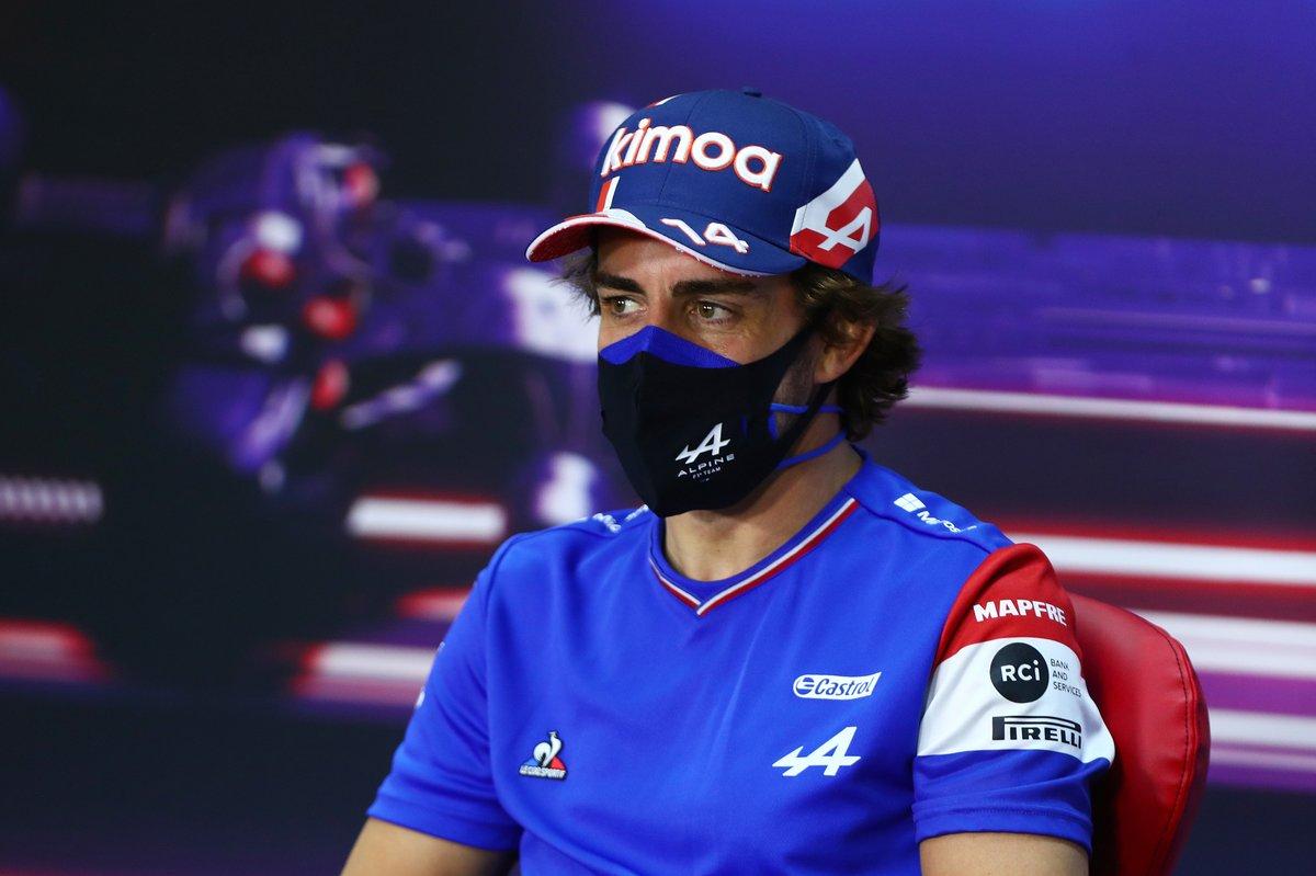 Fernando Alonso, Alpine F1, en la conferencia de prensa