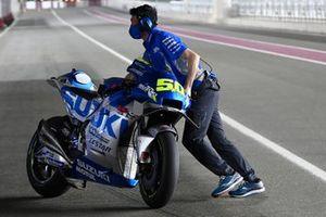 Bile of Sylvain Guintoli, Team Suzuki MotoGP