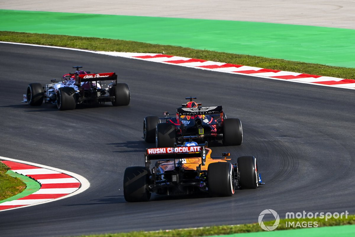 Kimi Raikkonen, Alfa Romeo Racing C39, Max Verstappen, Red Bull Racing RB16, e Carlos Sainz Jr., McLaren MCL35