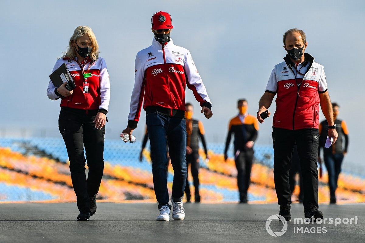 Antonio Giovinazzi, Alfa Romeo, recorre la pista