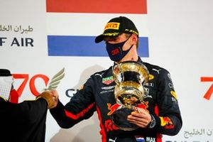 Max Verstappen, Red Bull Racing, 2nd position, receives his trophy