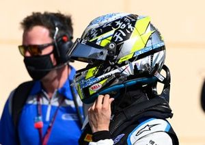 Race winner Guanyu Zhou, Uni-Virtuosi Racing festeggia nel Parc Ferme