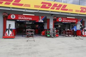 Haas garage, DHL proof of performance