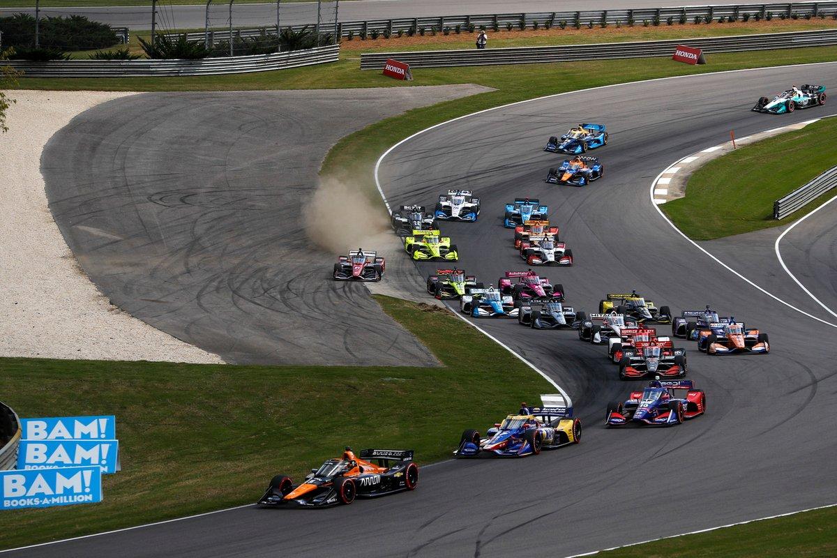Pato O'Ward, Arrow McLaren SP Chevrolet, Alexander Rossi, Andretti Autosport Honda, Alex Palou, Chip Ganassi Racing Honda al inicio