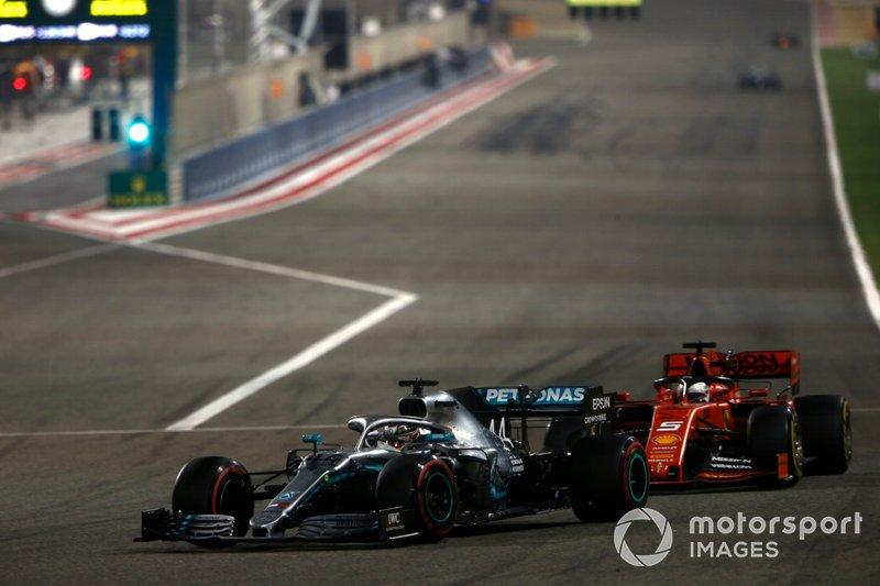 Lewis Hamilton, Mercedes AMG F1 W10, leads Sebastian Vettel, Ferrari SF90