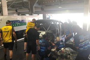 Macauley Jones, Brad Jones Racing araç tamiri