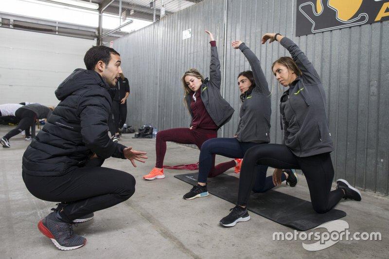 Francesca Linossi, Jamie Chadwick, Stephane Kox