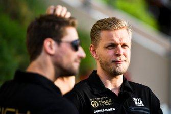 Kevin Magnussen, Haas F1 and Romain Grosjean, Haas F1