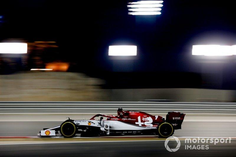 8: Kimi Raikkonen, Alfa Romeo Racing C38, 1:29.022