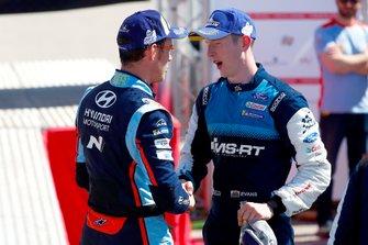 Podium: Thierry Neuville, Hyundai Motorsport, Elfyn Evans, M-Sport Ford WRT