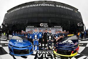 William Byron, Hendrick Motorsports, Chevrolet Camaro Axalta and Alex Bowman, Hendrick Motorsports, Chevrolet Camaro Nationwide on the front row for the Daytona 500