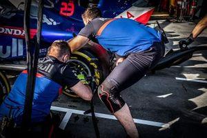 Toro Rosso takım elemanları