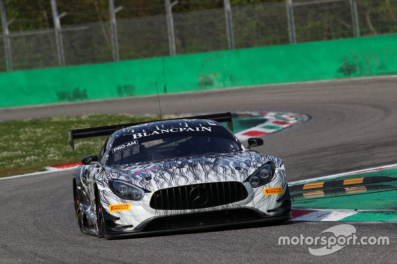 #74 Ram Racing Mercedes-AMG GT3: Remon Vos, Tom Onslow-Cole