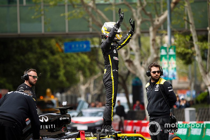 Demonstration with Guanyu Zhou, Renault F1 Team