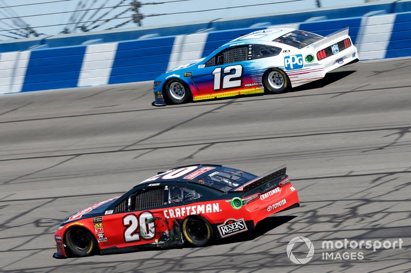 Erik Jones, Joe Gibbs Racing, Toyota Camry Craftsman, Ryan Blaney, Team Penske, Ford Mustang PPG
