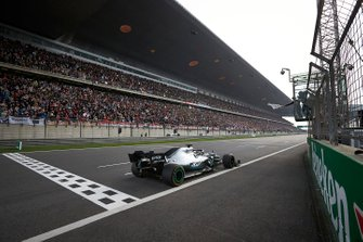 Lewis Hamilton, Mercedes AMG F1 W10, 1st position, wins the race