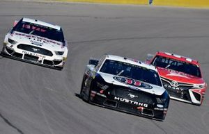 Kevin Harvick, Stewart-Haas Racing, Ford Mustang Jimmy John's and Brad Keselowski, Team Penske, Ford Mustang Discount Tire