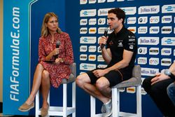 Nicki Shields and Jérôme d'Ambrosio, Dragon Racing, in the press conference