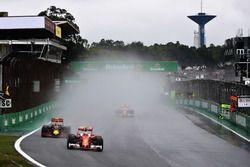 Kimi Raikkonen, Ferrari SF16-H, Max Verstappen, Red Bull Racing RB12, Sebastian Vettel, Ferrari SF16