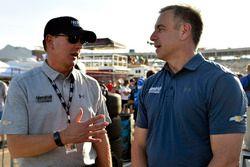 Jeff Andrews, Hendrick Motorsports, Motorenchef; Doug Duchardt, Hendrick Motorsports, Renndirektor