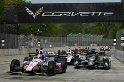 Ed Jones, Dale Coyne Racing, Honda; Josef Newgarden, Team Penske, Chevrolet