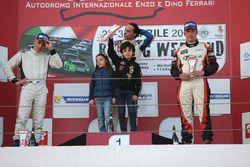 Podio Gara 1: al secondo posto Marco Jacoboni, al primo posto Ivan Bellarosa, Avelon Formula, al terzo posto Francesco Turatello