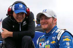 Dale Earnhardt Jr., Hendrick Motorsports Chevrolet, mit Crewchief Greg Ives