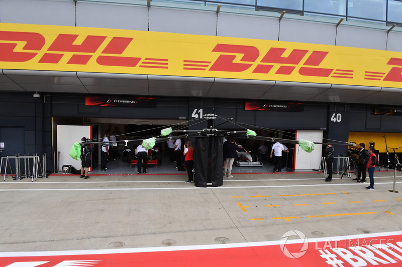 F1 Experiences 2-Seater garage