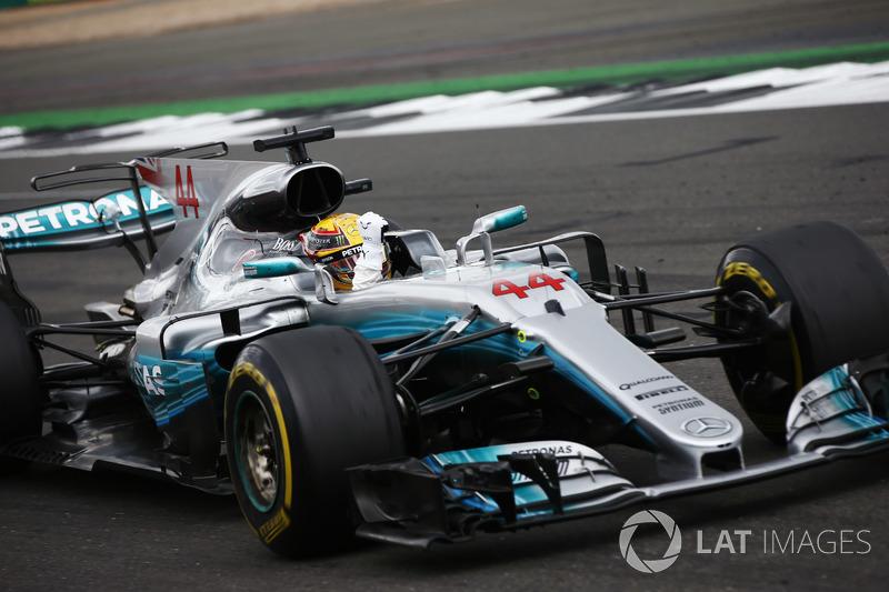 Bandiera a schacchi - Lewis Hamilton, Mercedes AMG F1 W08