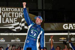 Yarış galibi Ricky Stenhouse Jr., Roush Fenway Racing Ford