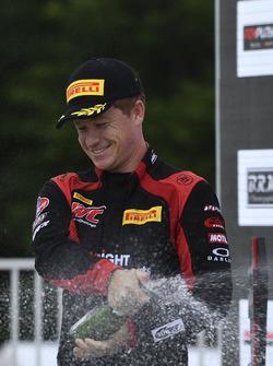 Podio: ganador de la carrera Patrick Long, Wright Motorsports