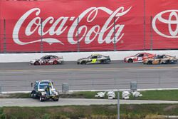 Joey Logano, Team Penske Ford, William Byron, JR Motorsports Chevrolet, Ryan Reed, Roush Fenway Raci
