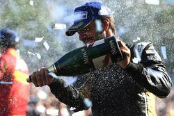 Jean-Eric Vergne, Techeetah, met champagne op het podium