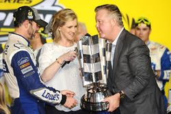2016 Champion and race winner Jimmie Johnson, Hendrick Motorsports Chevrolet is presented the trophy by NASCAR CEO Brian France