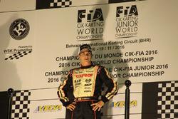 Pedro Hiltbrand en el podio de Bahréin