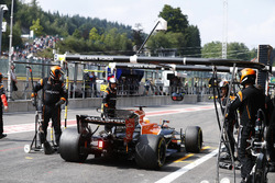 Fernando Alonso, McLaren MCL32, retires in the pit lane