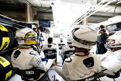 Guy Martin si unisce alla pit crew Williams per la gara