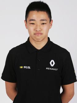 سون يويانغ، سائق بأكاديمية رينو للسائقين الشباب